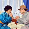 """Монгол Улс, Улаанбаатар хот. 2014 оны 1 дүгээр сарын 31. XYII жарны """"Ялгуусан"""" хэмээх хөх модон морин жилийн сар шинийн шинийн нэгэнд Монгол Улсын Ерөнхийлөгч,УИХ-ын дарга З.Энхболд, Загсгийн газрын тэгргүүн Н.Алтанхуяг нар Төрийн туганд хүндэтгэл үзүүлж төрийн ордны ёслол хүндэтгэлийн өргөө гэрт төрийн золголт хийсний дараа төрийн ордны ёслол хүндэтгэлийн танхимд өндөр настнуудтай золголоо. MPA PHOTO/ Б.БЯМБА-ОЧИР"""