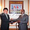 Монгол улс, Улаанбаатар хот. 2014 оны 1 дүгээр сарын 13.  НҮБ-ын гишүүн бүх улстайМонгол Улс дипломат харилцаа тогтоох зорилтын хүрээнд Монгол Улс Бүгд Найрамдах Гаити Улстай 1 дүгээр сарын 14-ний өдөр Нью-Йорк хотноо дипломат харилцаа тогтоов. <br /> <br /> Хоёр улс найрсаг харилцаа, хамтын ажиллагааг хөгжүүлэн бэхжүүлэх хоёр талын эрмэлзлийг удирдлага болгож, Дипломат харилцааны тухай Венийн конвенц, НҮБ-ын Дүрэм, олон улсын эрх зүйн зарчим, хэм хэмжээг баримтлахаа тохиролцов. Дипломат харилцаа тогтоох тухай Хамтарсан албан мэдээнд Монгол Улсаас НҮБ-ын дэргэд суугаа Байнгын төлөөлөгч, Элчин сайд О.Оч, Бүгд Найрамдах Гаити Улсаас НҮБ-ын дэргэд суугаа Байнгын төлөөлөгч, Элчин сайд Денис Режис нар гарын үсэг зурав.<br /> <br /> Бүгд Найрамдах Гаити Улстай дипломат харилцаа тогтоосноор хоёр талын болон олон улсын байгууллагуудын хүрээнд харилцан дэмжлэг үзүүлж, хамтран ажиллах илүү боломж нээгдэж байна гэдэгт санал нэгтэй байгаагаа талууд илэрхийлэв.Түүнчлэн 2010 онд хүчтэй газар хөдлөлт-байгалийн гамшигт нэрвэгдсэн Гаити улсын ард түмэнд Монгол Улс 10 мянган ам. долларын хүмүүнлэгийн тусламж үзүүлж байсанд байнга талархаж байдгаа Гаити улсын Байнгын төлөөлөгч тэмдэглэж, хоёр улсын найрсаг харилцаа цаашид улам бүр өргөнжин хөгжинө гэдэгт итгэлтэй байгаагаа илэрхийлэв.<br /> <br /> <br />   <br /> MPA PHOTO/ Б.БЯМБА-ОЧИР