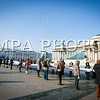 """Монгол улс, Улаанбаатар хот. 2014 оны 1 дүгээр сарын 09. Нийгмийн ардчилал Монголын залуучуудын холбоо /НАМЗХ/-ноос өнөөдөр Чингисийн талбайд жагсаал зохион байгууллаа. Тэд Үндсэн хуулийн өдрийг угтан """"Огцруулах уу, Оршуулах уу"""" нэртэй 100 гаруй хүний бүрэлдэхүүнтэй тайван жагсаал хийхээр болсон байна.<br /> <br /> Тэдний зүгээс Ардчилсан нам засгийн эрх барьж, Н.Алтанхуяг Ерөнхий сайд болсноор эрх баригчид Үндсэн хуулийг удаа дараа зөрчсөн үйлдэл гаргасан хэмээн үзэж байгаагаа илэрхийлсэн. Түүнчлэн Ерөнхий сайдын хууль зөрчсөн үйлдлүүд нь хэрээс хэтрэн иргэний эрхэнд халдаж, тэдний дургүйцлийг хүргэж байна хэмээн НАМЗХ-ноос үзэж, огцруулах шаардлага хүргүүлсэн юм. Мөн тэд Үндсэн хуулийг 40 метр уртаар хэвлэн """"Ерөнхий сайд Н.Алтанхуяг дарга гарч ирж унш"""" хэмээн цагаан хоолойгоор орлиж байв.<br />  ГЭРЭЛ ЗУРГИЙГ Б.БЯМБА-ОЧИР"""