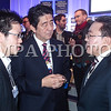 """Дэлхийн Эдийн засгийн чуулга уулзалтын эхний өдөр Монгол Улсын Ерөнхийлөгч Цахиагийн Элбэгдорж Японы Ерөнхий сайд Шинзо Абэтэй уулзаж хоёр орны харилцаа, хамтын ажиллагаа, тэр дундаа эдийн засгийн хамтын ажиллагааны талаар ярилцав. Мөн  НҮБ-ын Хөгжлийн хөтөлбөрийн захирал хатагтай Хелин Кларктай уулзсан юм.<br /> <br /> Дараа нь Монгол Улсын Ерөнхийлөгч Цахиагийн Элбэгдорж Гвиней Улсын Ерөнхийлөгч Алфа Кондегийн хамт """"Олборлох үйлдвэрлэлийн ирээдүй"""" (The future of Extractives) сэдэвт хуралдаанд оролцлоо.<br /> <br /> Монгол Улс нь Хариуцлагатай уул уурхайн асуудлаар санаачилга гарган Дэлхийн эдийн засгийн чуулга уулзалтын салбарт хуралдааныг эх орондоо зохион байгуулж байсан туршлагатай."""