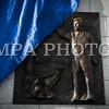 """Монгол улс, Улаанбаатар хот. 2013 оны 10 дугаар сарын 29. Нийслэлийн ИТХ-ын Тэргүүлэгчдийн 2013 оны9-рсарын 4-ний өдрийн 103 дугаар тогтоолын дагуу Монголын орчин үеийн утга зохиолыг үндэслэгч Дашдоржийн Нацагдоржийн хөшөөг нүүлгэн шилжүүлж, Монгол-Туркийн цэцэрлэгт хүрээлэнд байрлууллаа. Хөшөөг шинэ байршилд нь  залах ёслолын ажиллагаанд нийслэлийн Удирдлагууд, Монголын утга, уран зохиолын салбарын төлөөлөл, ахмад уран бүтээлчид, иргэд оролцлоо. Үндэсний соёл амралтын хүрээлэнд байрлаж байсан уг хөшөөг уран барималын шилдэг шийдлийг тусгасан ховор бүтээлүүдийн нэг хэмээн үздэг ч байшин, барилгаар хүрээлэгдэн үзэгдэх орчин болон хамгаалалт нь алдагдсан байсан юм. Ёслолын ажиллагааны үеэр нийслэлийн Засаг дарга """"Өнөөдөр бид Монголын соёлыг үндэслэгч, Их зохиолч Д.Нацагдоржийн хөшөөг МУБИС, оюутан, багш нар, Оюутны хотхонтой ойртуулж, нийслэлийнхээ хойморьт залж байна. Түүний Монголын утга зохиолын салбар, соён гэгээрүүлэх үйлсэд оруулсан хувь нэмрийг Монголын ард түмэн үеийн үед дуурсах учиртай билээ. Нэрт яруу найрагч Р.Чойном """"Д.Нацагдоржийн хөшөөний дэргэд"""" шүлгэндээ уг хөшөөний тухай харууслын сэтгэгдлээ шингээсэн байдаг. Өнөөдөр Их зохиолчийн хөшөө түүний хүсэж байсан шиг Нийслэлийнхээ хойморьт өнгө зүсээ сайжруулан, заларч байгааг нэрт яруу найрагч маань тэнгэрээс хараад нийслэлчүүд бидэнд талархаж байгаа болов уу гэж бодож байна. Энэ ажлыг хариуцан хийсэн Н.Нацагдорж даргатай нийслэлийн Ерөнхий төлөвлөгөөний газрын хамт олонд та бүхнийхээ өмнөөс талархал илэрхийлье.Харин Их зохиолчийн хөшөө байсан хуучин талбайг уран бүтээлчдийн талбай болгон тохижуулах гэж байгаа гэдгийг дуулгахад таатай байна"""" гэлээ. Ёслолын ажиллагаанд хүрэлцэн ирсэн уран бүтээлчдийг төлөөлж МУСГЗ, яруу найрагч, сэтгүүлч Ү.Хүрэлбаатар """"Өнөөдөр Монголын яруу найрагчдад маш сайхан үйл явдал тохиож байна. Бидний хайртай Их зохиолч Д.Нацагдоржийн маань хөшөө нийслэлийн хойморьт заларч байгаад туйлаас их талархаж байна. Анх хөшөөг хуучин сууринаас нь шилжүүлэхэд олон эргэлзээ төрж байснаа нуугаа"""