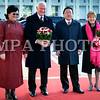 Монгол улс, Улаанбаатар хот. 2013 оны 10 дугаар сарын 25. Канад Улсын Амбан захирагч, эрхэмсэг ноён Дэвид Жонстон, гэргий эрхэмсэг хатагтай Шэрон Жонстоны Монгол Улсад хийж буй төрийн айлчлал өнөөдөр эхэлж, хоёр улсын далбаа мандсан Эзэн Чингисийн талбайд Монгол Улсын Ерөнхийлөгч Цахиагийн Элбэгдорж, гэргий Хажидсүрэнгийн Болормаагийн хамтаар хүндэт зочдоо угтан авлаа.<br /> <br /> Эрхэмсэг ноён Дэвид Жонстоны Монгол Улсад хийж буй айлчлал нь Канад Улсын Амбан захирагчийн манай улсад хийж буй анхны Төрийн айлчлал болж буй юм. Түүнийг дагалдан Канад Улсаас Монгол Улсад суугаа Онц бөгөөд бүрэн Эрхт Элчин сайд Грегори Гөүлдхок, тус улсын парламентын гишүүн, Парламентын Нарийн бичгийн дарга Чунгсен Леунг, парламентын гишүүн Өрл Дреешен, Скот Симмс, Уай Янг нарын албаны зочид айлчлалын бүрэлдэхүүнд багтсан байна.