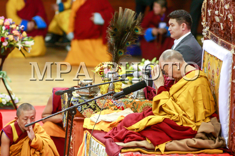 2016 оны Арваннэгдүгээр сарын 20. <br /> <br /> Дээрхийн гэгээнтэн XIV Далай лам Монголын нийт лам хувраг, сүсэгтэн олонд Богд ламын жинан, Жигжидийн цэван айлдаж байна. <br /> ГЭРЭЛ ЗУРГИЙГ Б.БЯМБА-ОЧИР/MPA