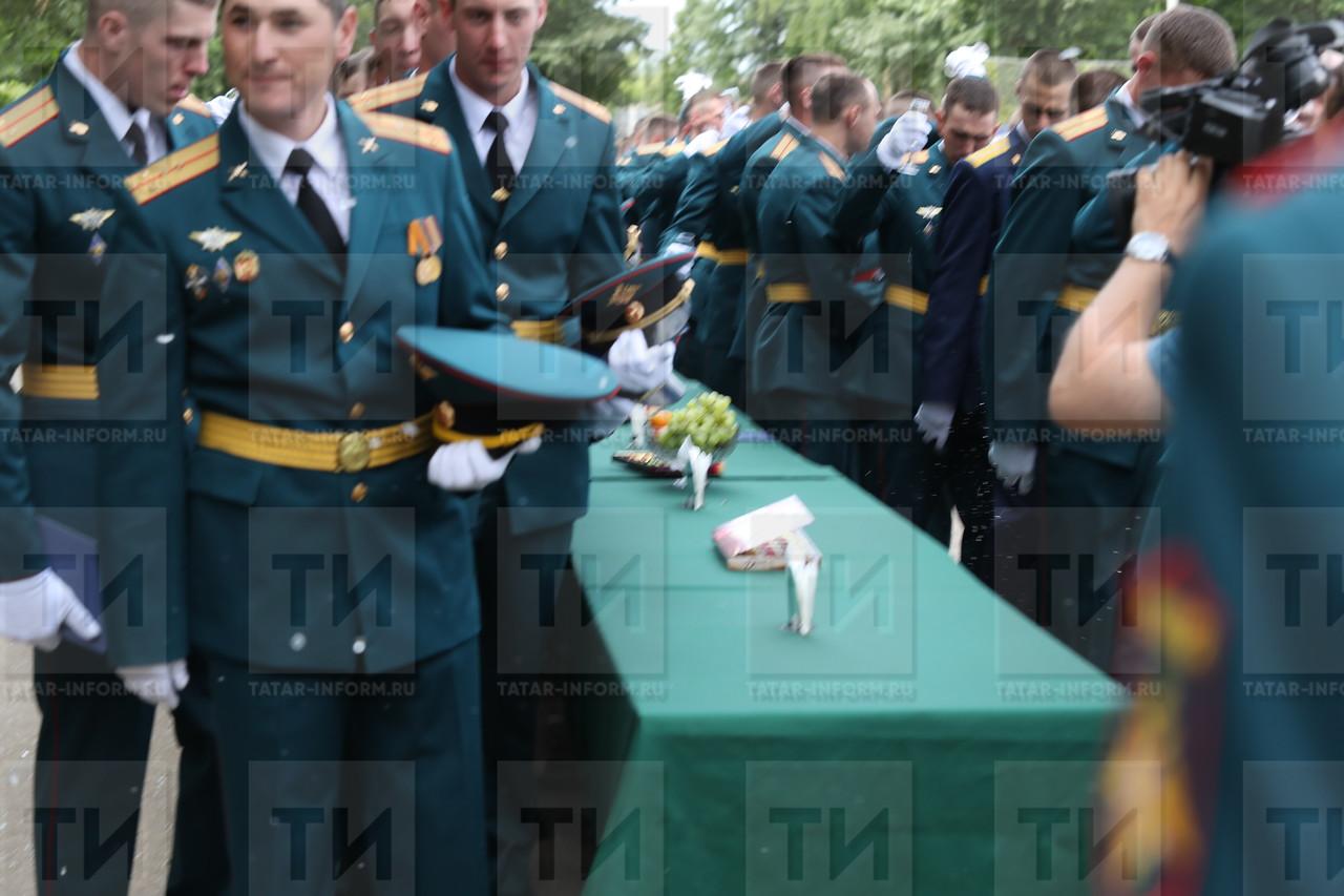 30.06.2017 - В Казанском высшем  фото Рамиля Гали