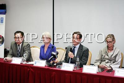 2019 зургаадугаар сарын 12. Gucci, H&M, UNIQLO брэндийн төлөөлөгчид НҮБ-ын урилгаар манай улсад ирж байгальд ээлтэй ноолуурыг Монголоос авдаг болох боломжийг хэлэлцэх талаар мэдээлэл хийлээ. ГЭРЭЛ ЗУРГИЙГ Г.ӨНӨБОЛД /МРА