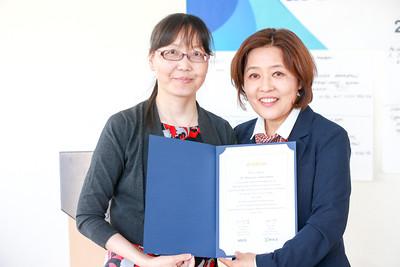 2019 оны тавдугаар сарын 31.   Боловсролын хүрээлэнгийн багш нарт сертификат гардууллаа  ГЭРЭЛ ЗУРГИЙГ Б.БЯМБА-ОЧИР/MPA