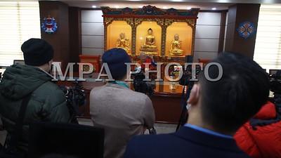 2021 оны нэгдүгээр сарын 20. Бурхан шашин, соёлын биет болон биет бус өв соёлыг сэргээн хөгжүүлэхэд нөхөн олговор олгох хуулийн төслийг Төрийн байгуулалтын байнгын хороогоор хэлэлцэхийг хойшлуулсан билээ.   Уг хуулийн төсөлтэй холбоотойгоор Монголын Бурхан шашинтны төв Гандантэгчинлэн хийдийн тэргүүн хамба Д.Чойжамц өнөөдөр байр сууриа илэрхийллээ.  ГЭРЭЛ ЗУРГИЙГ Д.ЗАНДАНБАТ/MPA