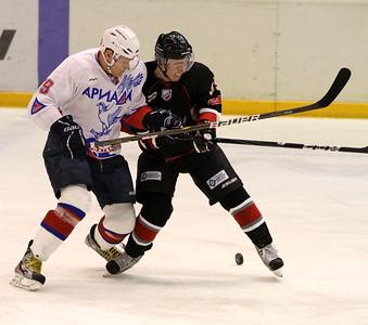 Челябинская команда Высшей хоккейной лиги Челмет начнет серию домашних матчей игрой против Ариады из Волжска.