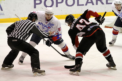 Челябинская команда высшей хоккейной лиги Челмет уступила в Волжске местной Ариаде со счетом 2:3