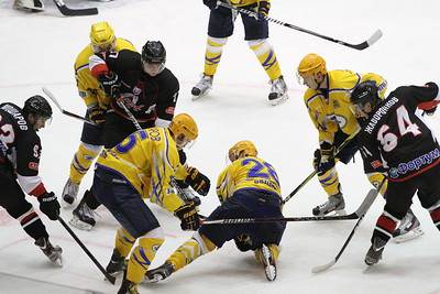 Челябинская команда высшей хоккейной лиги Челмет в Пензе обыграла местный Дизель со счетом 5:4