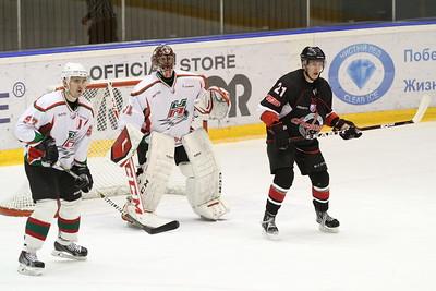 Челябинская команда Высшей хоккейной лиги Челмет выиграла в упорной борьбе в Альметьевске у местного Нефтяника.