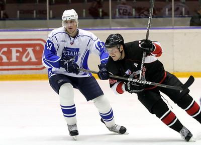Челябинская команда Высшей хоккейной лиги Челмет в драматичном матче уступила хоккейному клубу из Рязани со счетом 4:5