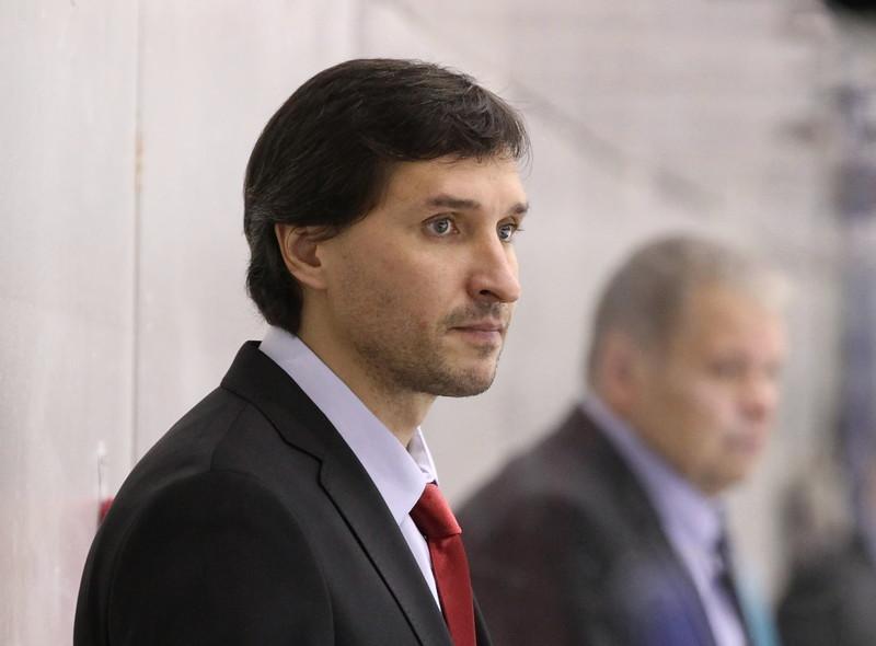 Главный тренер челябинского Челмета Алексей Тертышный рассказал в интервью о планах команды на предстоящий сезон.