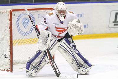 Челябинская команда Высшей хоккейной лиги Челмет в Красноярске уступила с минимальным счетом местному Соколу