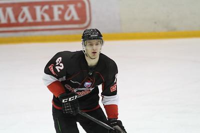 Челябинская команда Высшей хоккейной лиги Челмет выиграла по буллитам в Альметьевске у Нефтяника со счетом 5:4