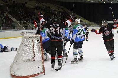 Челябинская команда Высшей хоккейной лиги Челмет выиграла в Нефтекамске у местного Тороса со счётом 4:3.