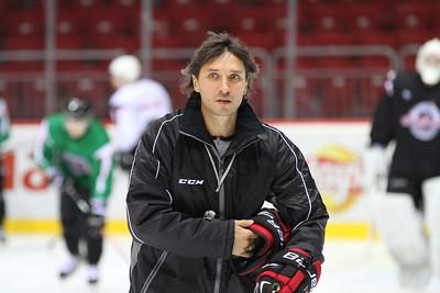 Главный тренер челябинской команды высшей хоккейной лиги Челмет Алексей Тертышный рассказал о тренировочном сборе, который в эти дни проходит в Словакии.
