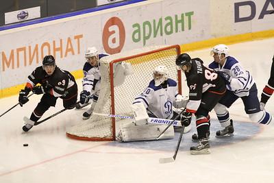 Челябинская команда Высшей хоккейной лиги Челмет проиграла в Балашихе местному Динамо со счётом 2:5.