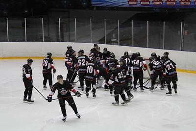 Челябинская команда Высшей хоккейной лиги Челмет продолжает свое выступление на Кубке Губернатора Оренбургской области.