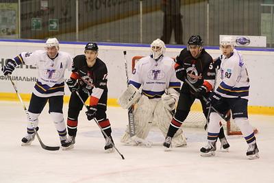 Челябинская команда Высшей хоккейной лиги Челмет уступила на своем льду Казцинк-Торпедо из Усть-Каменогорска со счётом 1:2.