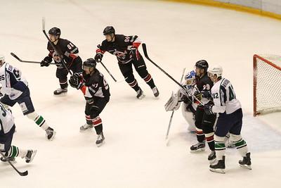 Челябинская команда Высшей хоккейной лиги Челмет выиграла у краснодарской Кубани со счётом 5:2.