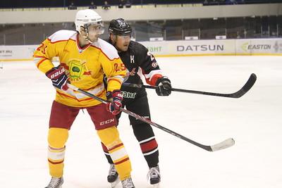 Челябинская команда Высшей хоккейной лиги Челмет уступила в овертайме хоккейному клубу из Липецка со счётом 2:3.