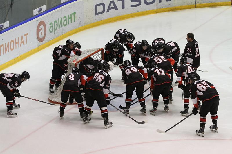 Челябинская команда Высшей хоккейной лиги Челмет выиграла в Нижнем Тагиле у Спутника со счётом 6:2 и впервые в своей истории вышла в плей-офф.