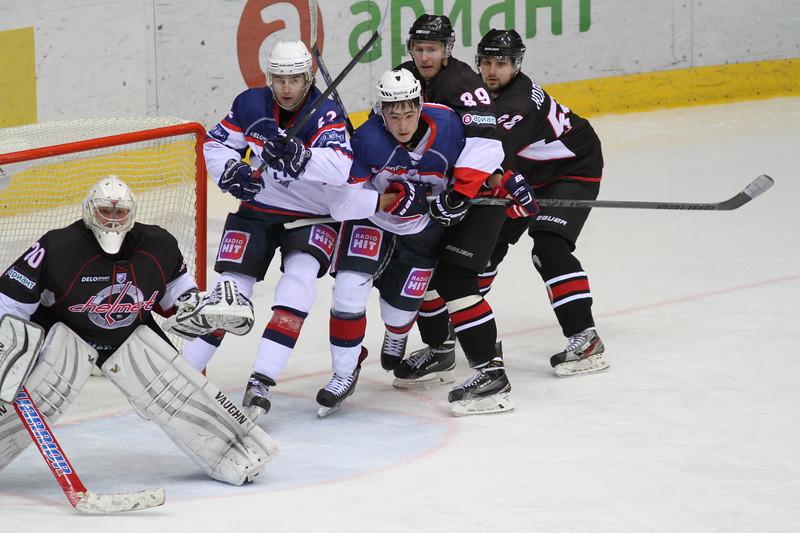 Челябинская команда Высшей хоккейной лиги Челмет выиграла в овертайме у Южного Урала из Орска со счётом 3:2.