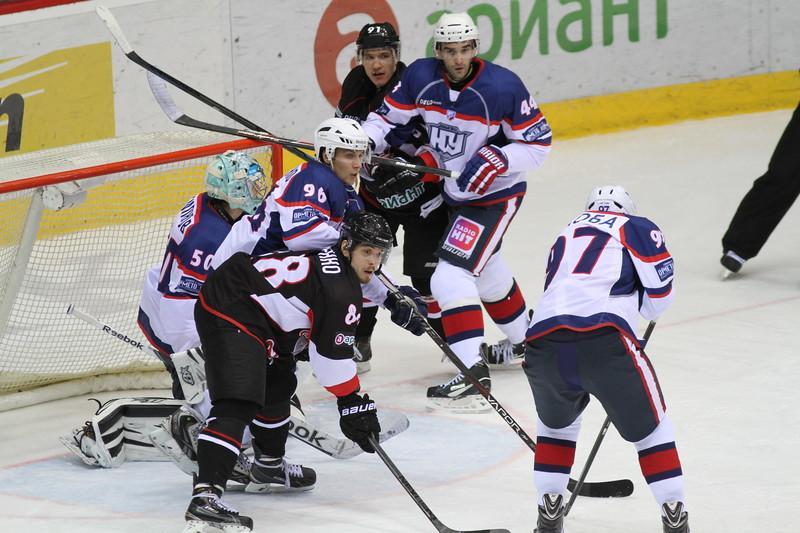 Челябинская команда Высшей хоккейной лиги Челмет одержала важную победу в Орске над местным Южным Уралом.