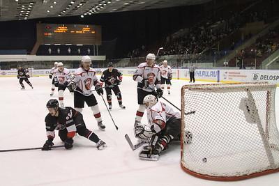 Челябинская команда Высшей хоккейной лиги Челмет выиграла у тюменского Рубина со счётом 3:1.