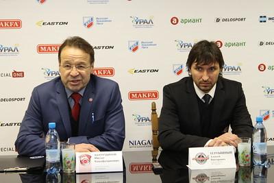 Главный тренер челябинского Челмета Алексей Тертышный и главный тренер тюменского