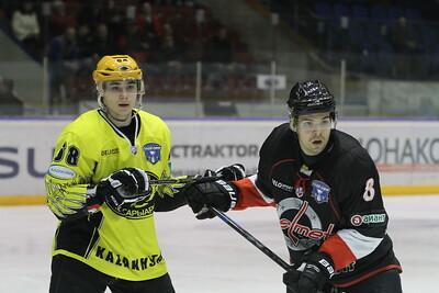 Челябинская команда Высшей хоккейной лиги Челмет выиграла в Караганде у Сарыарки со счётом 3:1 и сократила отставание в серии плей-офф.