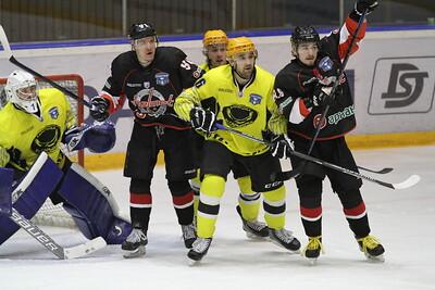 Челябинская команда Высшей хоккейной лиги Челмет выиграла у Сарыарки из Караганды со счётом 4:2 и продолжает борьбу в плей-офф.