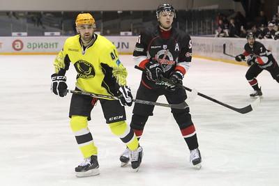 Челябинская команда Высшей хоккейной лиги Челмет обыграла Сарыарку из Караганды на своём льду со счётом 3:2.