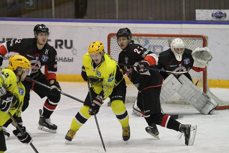 Челябинская команда Высшей хоккейной лиги Челмет проиграла Сарыарке из Караганды со счётом 2:4 в третьем матче серии плей-офф.