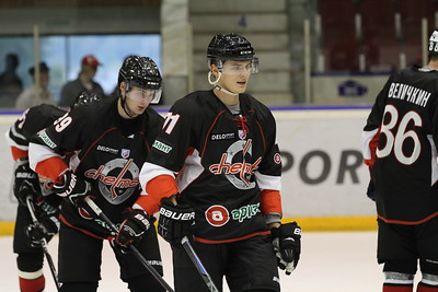 Челябинская команда Высшей хоккейной лиги Челмет выиграла в Волжске по буллитам у местной Ариады со счётом 4:3.