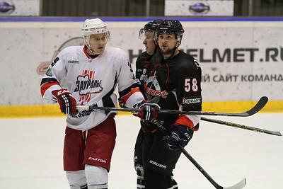 Челябинская команда Высшей хоккейной лиги Челмет проиграла по буллитам курганскому Зауралью со счётом 1:2 у себя дома.