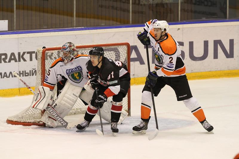 Челябинская команда Высшей хоккейной лиги Челмет проиграла в Ангарске местному Ермаку со счётом 1:3.