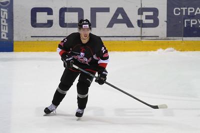 Нападающий челябинской команды Высшей хоккейной лиги Челмет Александр Шаров рассказал в интервью 74hockey.ru о тренировочных сборах, которые проходят сейчас в Словакии.