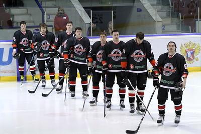 Челябинская команда Высшей хоккейной лиги Челмет выиграла свой первый матч в плей-офф в этом сезоне, обыграв в гостях победителя регулярного чемпионата ВХЛ.
