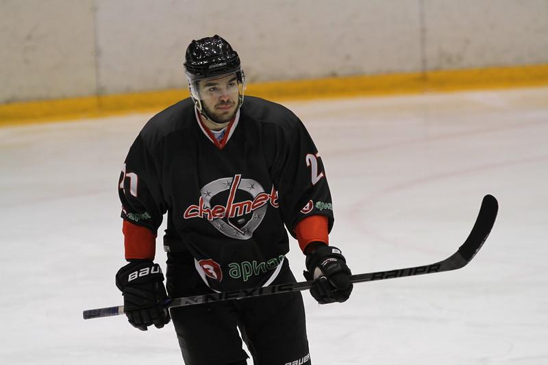 Челябинская команда Высшей хоккейной лиги Челмет выиграла в подмосковном Воскресенске у местного Химика со счётом 3:2.
