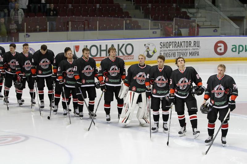 Челябинская команда Высшей хоккейной лиги Челмет выиграла в Усть-Каменогорске у местного Торпедо со счётом 3:2.