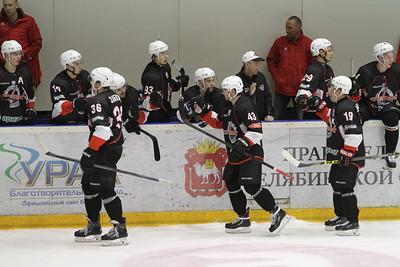 Челябинская команда Высшей хоккейной лиги Челмет начала с победы свое выступление в новом сезоне.