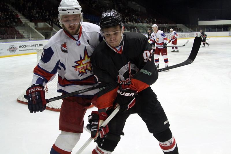 Челябинская команда Высшей хоккейной лиги Челмет выиграла у Ижстали из Ижевска со счётом 3:1.