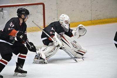 Челябинская команда Высшей хоккейной лиги Челмет обыграла в Твери лидера регулярного чемпионата.