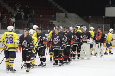 Челябинская команда Высшей хоккейной лиги Челмет уверенно выиграла у воскресенского Химика со счётом 6:2 на своём льду.