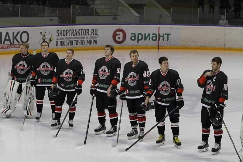 Челябинская команда Высшей хоккейной лиги Челмет проиграла в Воронеже местному Бурану со счётом 1:3.