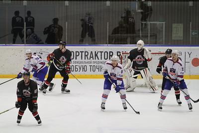 Челябинская команда Высшей хоккейной лиги Челмет проиграла у себя дома команде СКА-Нева из Санкт-Петербурга со счётом 0:3.