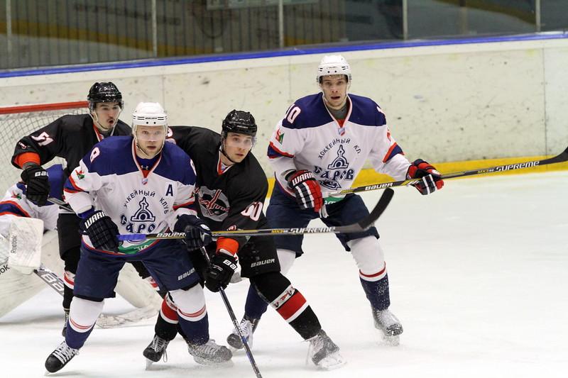 Челябинская команда Высшей хоккейной лиги Челмет выиграла у себя дома со счётом 3:0 у хоккейного клуба из Сарова.