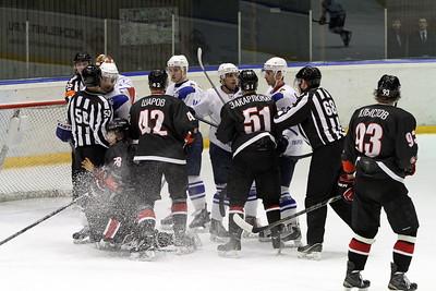 Челябинская команда Высшей хоккейной лиги Челмет выиграла у ТХК со счётом 4:1 в третьем матче первого раунда плей-офф.